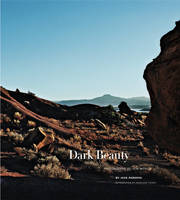Dark Beauty: Photographs of New ...