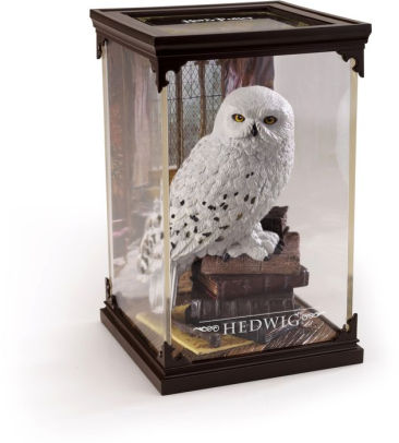 Magical Creature Hedwig Statuette
