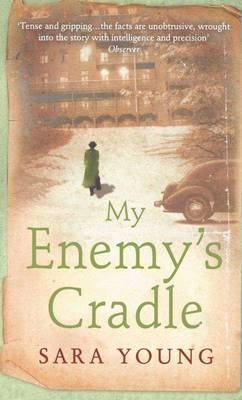My Enemy's Cradle [Large Print]: 16 Point